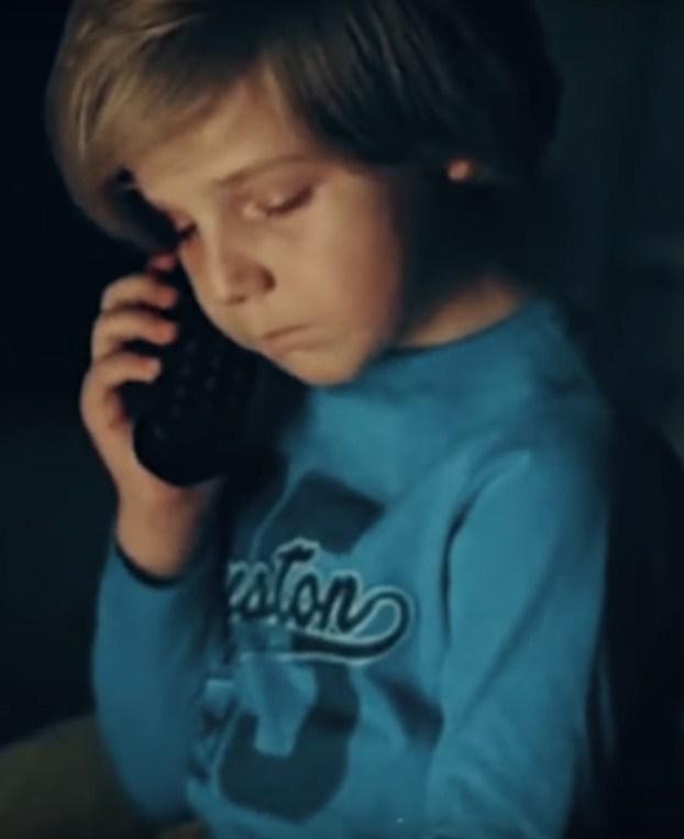Տղան կորցրեց մորը և զանգեց ոստիկանություն։ Ոստիկանի արարքը բոլորին ստիպեց արտասվել։