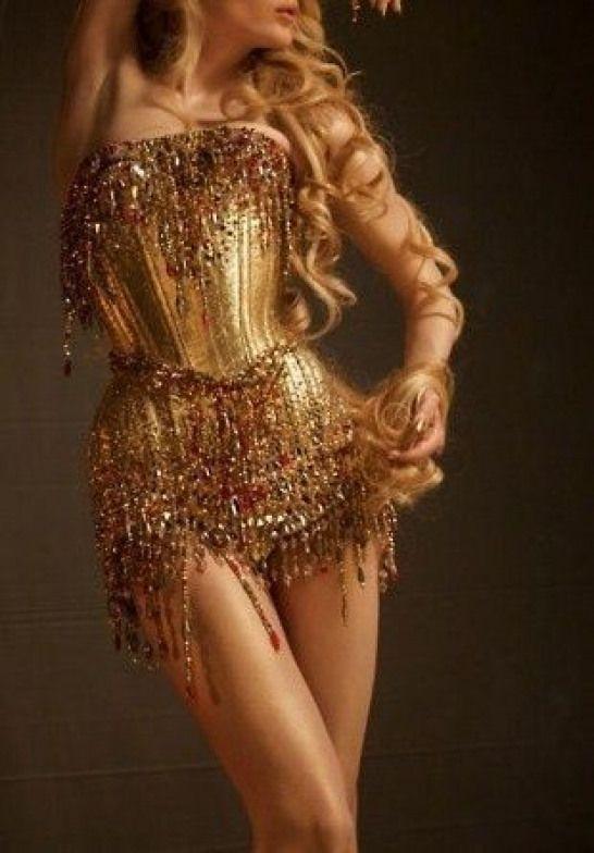 Ամենակրքոտ թրենդը. ուլտրամինի եզրերով հագուստը
