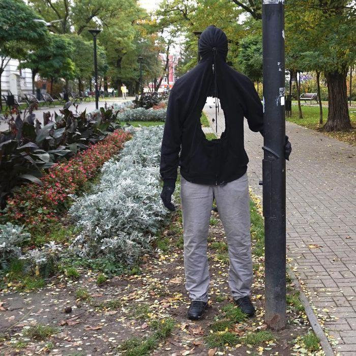 25 սարսափելի իրատեսական մանեկեններ, որոնք տեղադրվում են ամբողջ աշխարհում ՝ անցորդներին վախեցնելու համար