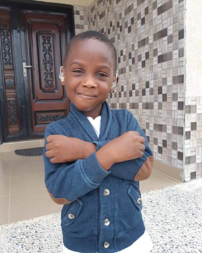 Ինչպիսի՞ն է հիմա աֆրիկացի այն տղան, որի լուսանկարը հայտնի էր դարձել համացանցում և որին որդեգրել էր մի կամավոր