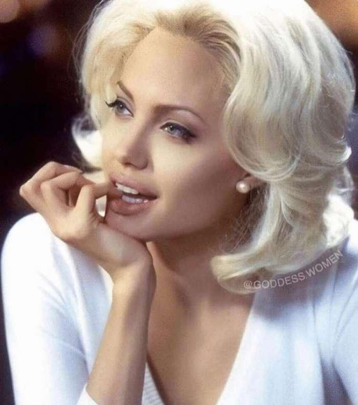 Անջելինա Ջոլիի ամենագեղեցիկ տարիների 10 լուսանկարները